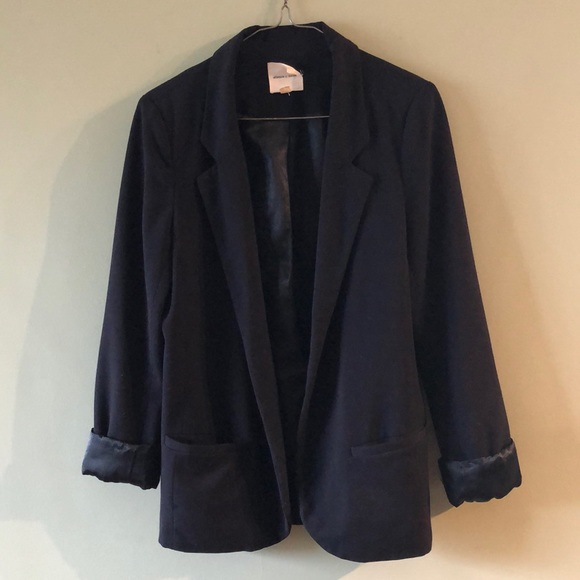 UO / SILENCE & NOISE / fitted black blazer